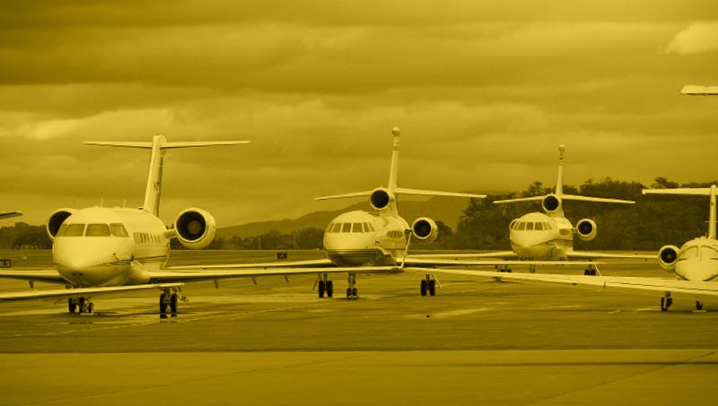 Geschäftsreiseflüge und persönlicher Service für Einzelpersonen oder kleinere Gruppen im Privatjet, Turbo-Prop oder Helikopter