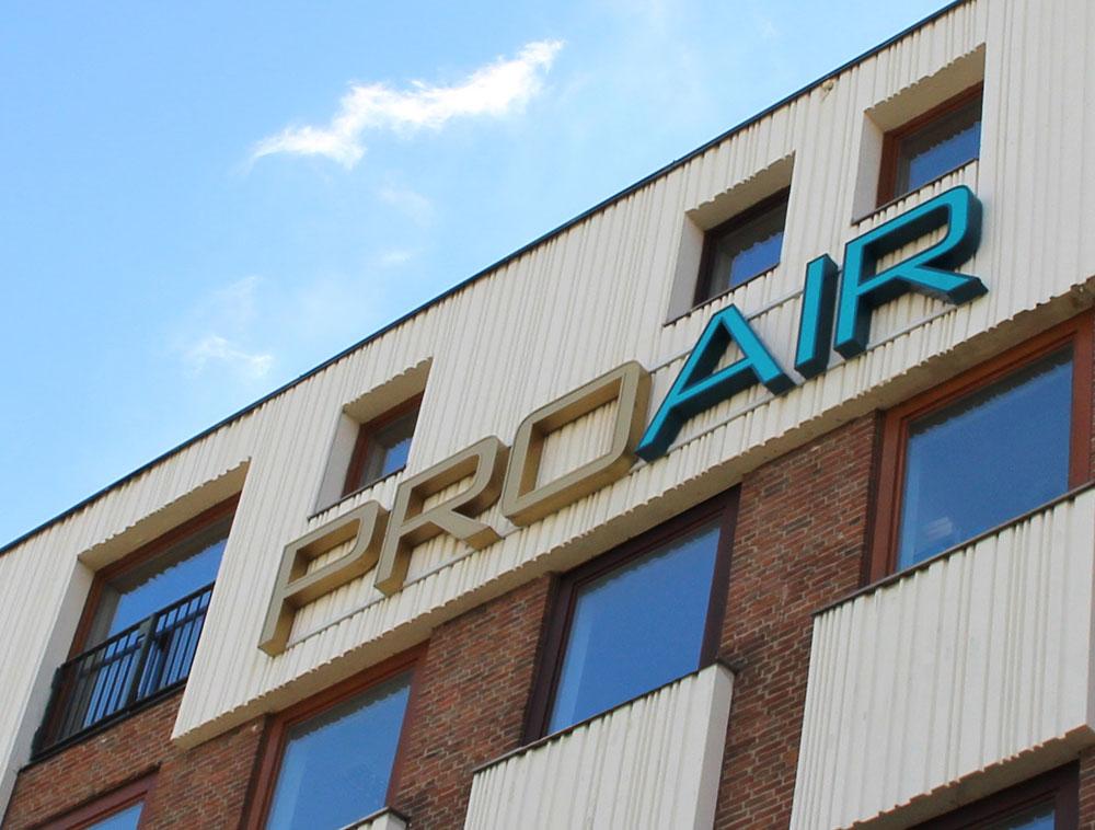Gründung der ProAir-Charter-Transport GmbH am Flughafen Stuttgart
